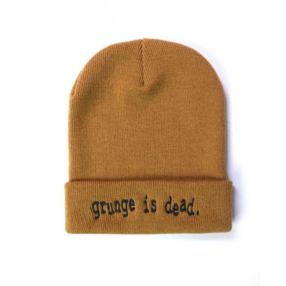 "Czapka ""grunge is dead"""